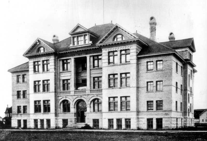The first University building, completed in 1900-1901, on the Broadway site