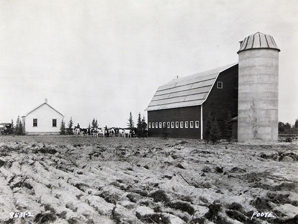 Historic Sites of Manitoba: Carter Farm Silo (RM of La