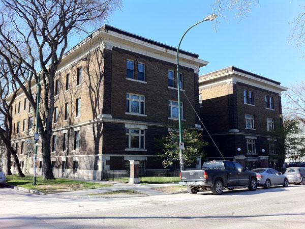 Historic Sites Of Manitoba: Congress Apartments / Boylston Apartments (300  River Avenue, Winnipeg)
