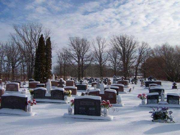 Novembre : Prions pour nos chers défunts les âmes du Purgatoire ! - Page 2 Corpuschristicemetery1