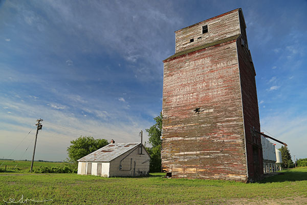 Historic Sites Of Manitoba Manitoba Pool Grain Elevator Edwin Rm Of Portage La Prairie