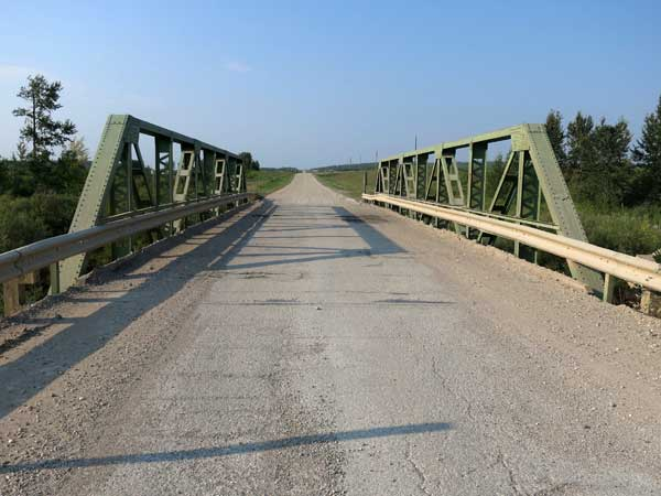 Steel pony truss bridge over the Shell River