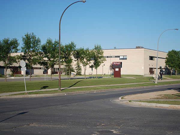 Historic Sites Of Manitoba Kildonan East Regional Secondary School Kildonan East Collegiate