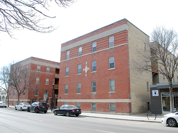 Historic Sites of Manitoba: Maple Leaf Apartments (915 ...