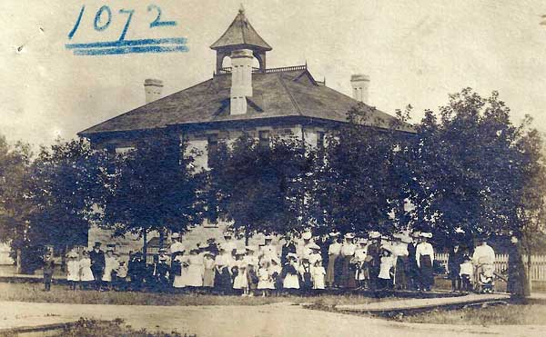 Postcard view of Maple Leaf School by Morden photographer Sydney E. Prest