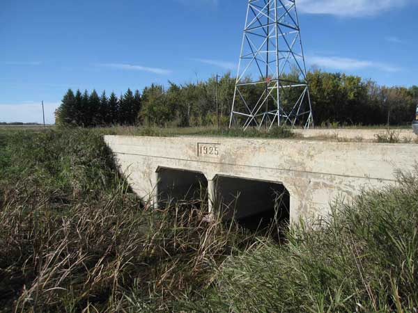 Concrete culvert bridge