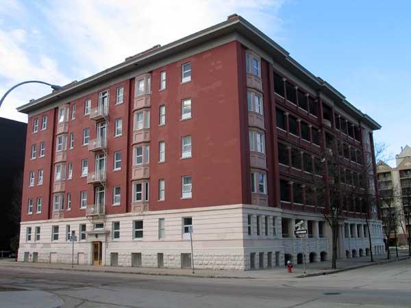 Historic Sites Of Manitoba: Warwick Apartments (366 Quu0027Appelle Avenue,  Winnipeg)